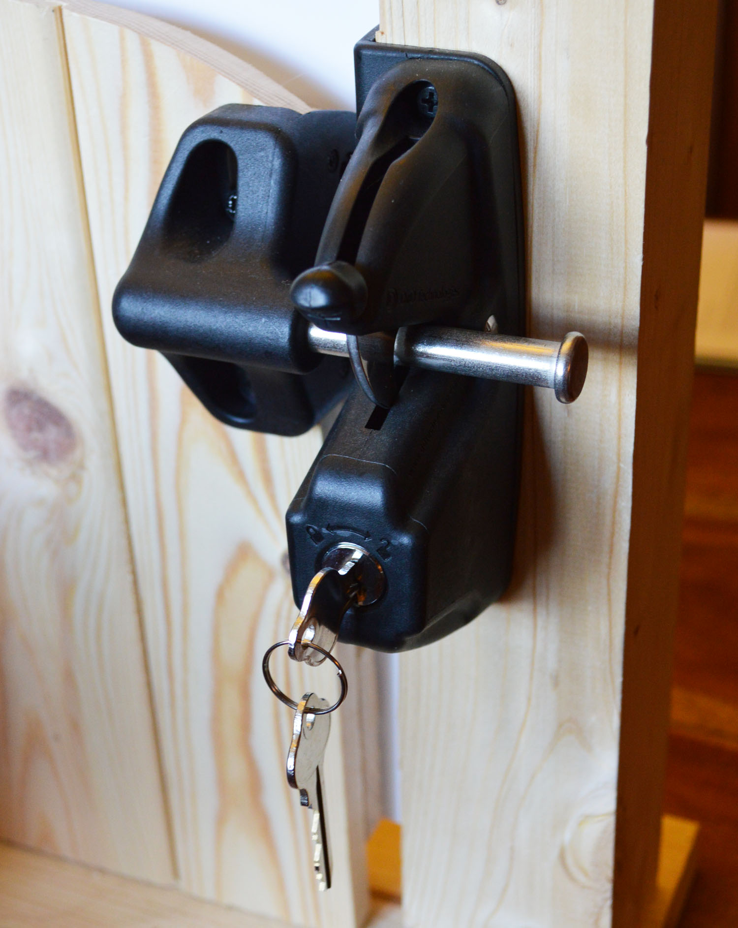 Genial TruClose Security Latch For Wooden Gates U0026 Doors Open U0026 Lock From Both Sides
